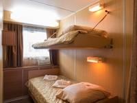 Спальня Полулюкса на средней палубе теплохода «Георгий Жуков» №119