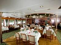 Бар-ресторан «Ладога» теплохода «Георгий Чичерин»