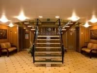 Холл главной палубы теплохода «Константин Симонов»