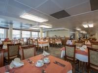 Ресторан «Нева» теплохода «Георгий Жуков»